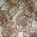 Органза с вышивкой розы песочная 280 см